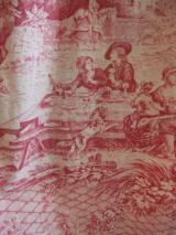 ヨーロッパ古着アイボリーにレッド 中世ランドスケープ柄コットンワンピース  8,900円(税抜・送料込)  http://www.fripe.jp/item/2-130-0565/