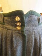 ヨーロッパ古着チャコールグレー・モスグリーン パイピング・贅沢ウールギャザースカート  9,800円(税抜・送料込)  http://www.fripe.jp/item/2-180-791/