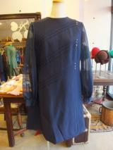 ヨーロッパ古着ネイビー×袖シフォン・ ガラスクリスタルがきれいなクラシックワンピース  9,800円(税抜・送料込)