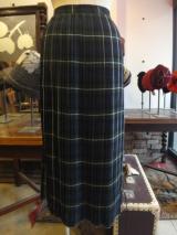 ヨーロッパ古着 Cacharel ネイビーxグリーンxホワイトシンプルプリーツスカート  7,900円(税抜・送料込)  http://www.fripe.jp/item/3-180-679/